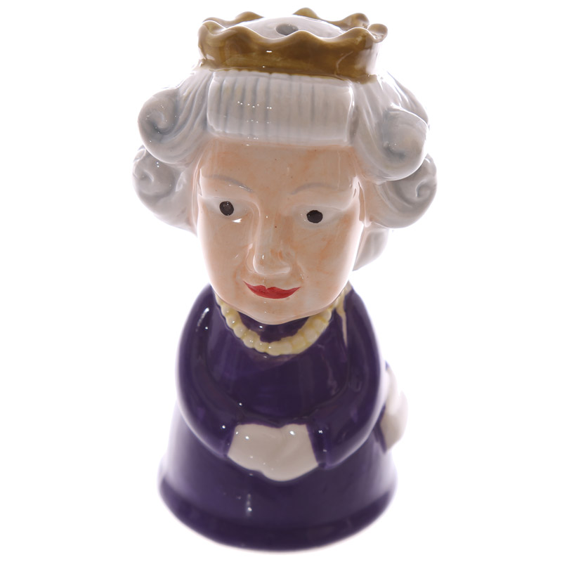 Novelty Collectable Queen and Corgi Ceramic Salt and Pepper Set