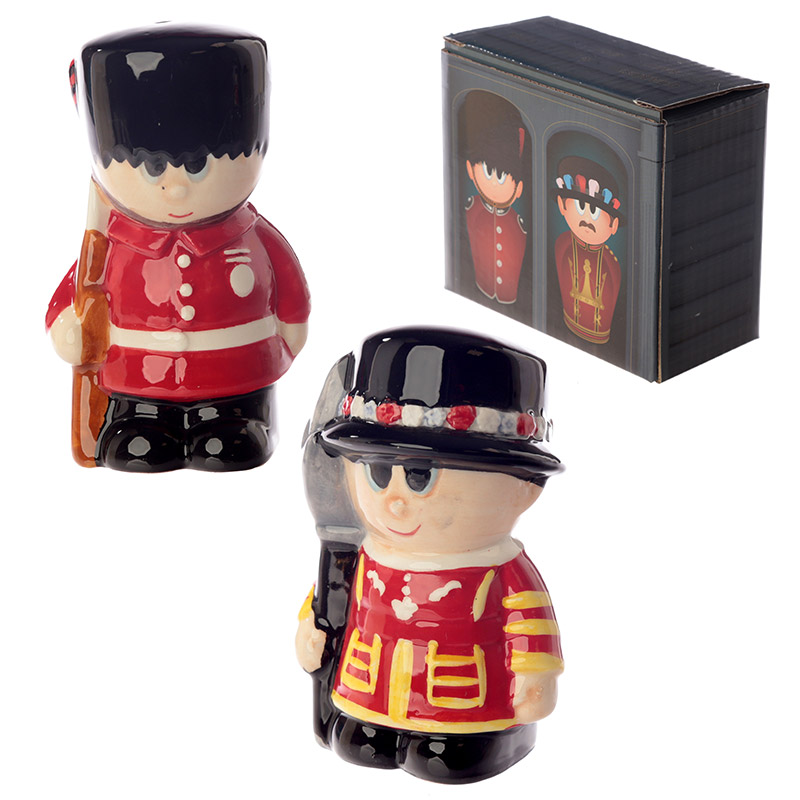 Novelty Beefeater and Guardsman Salt and Pepper Set